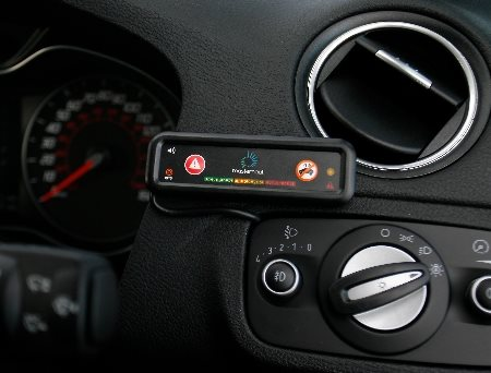 Masternaut-Solutions-UK-Telematics-Devices-In-Cab-Coaching-Device-In-Situ