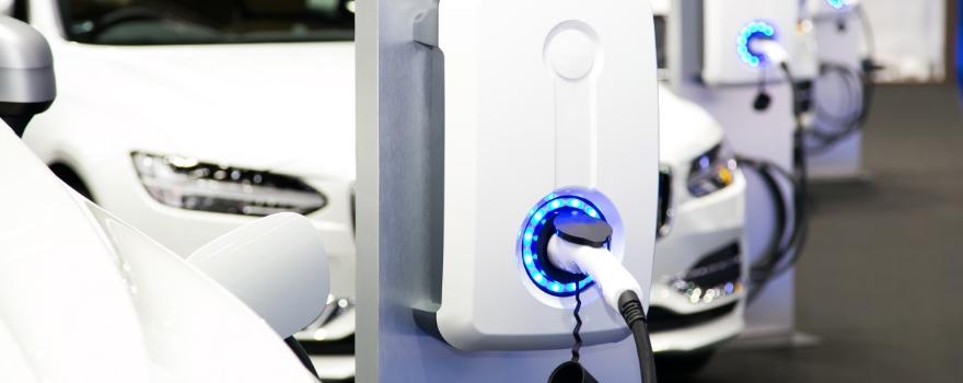 Mastenaut-FR-Blog-Comment-integrer-des-vehicules-electriques-featured-image